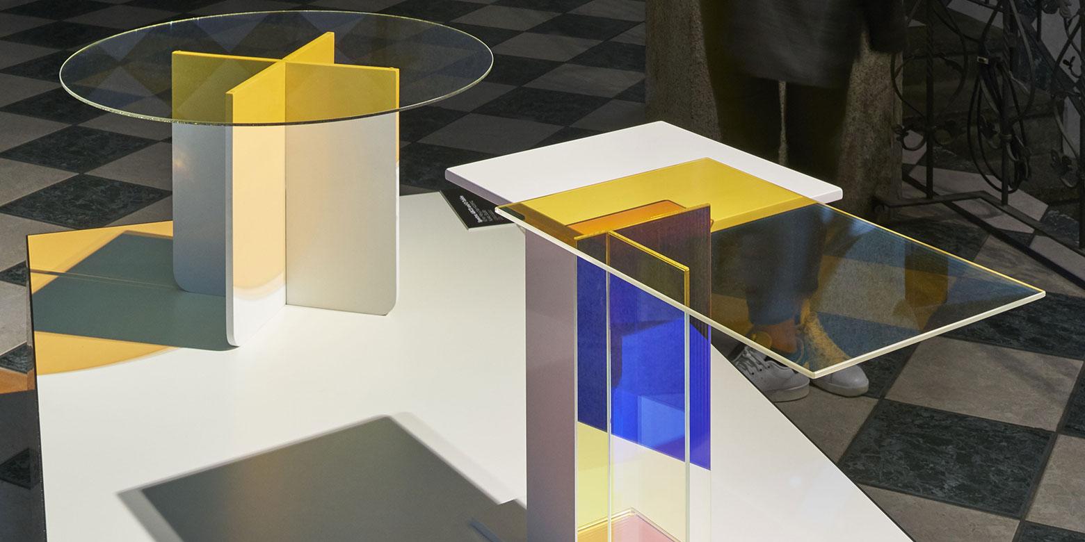 "Kukka-Design: table ""spektra"". Colour effect glas and stone"
