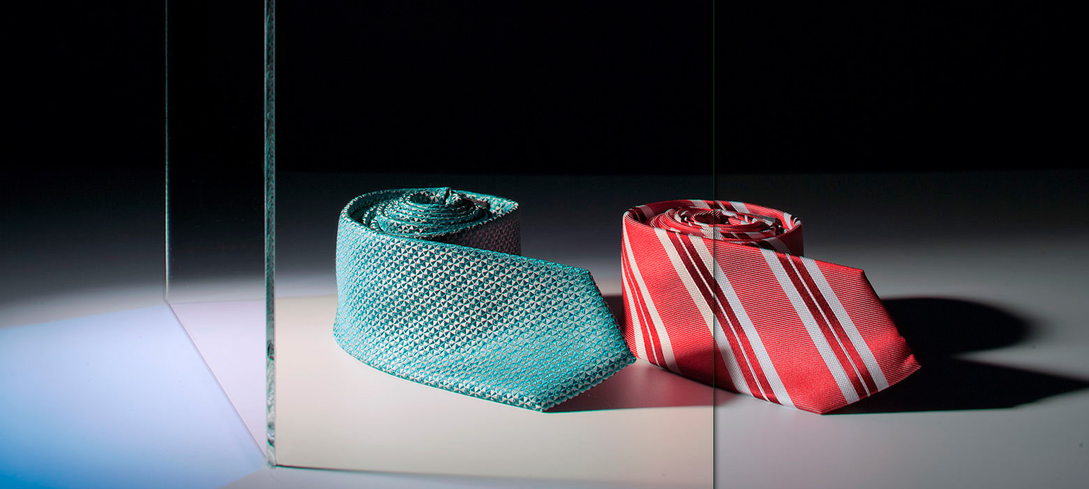 Lighting through the filter (left side) gives textiles a warmer colour and makes them look more appealing.