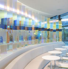 Dichroic glass for interior design: A colour-changing screen by Ivonne Goulbier
